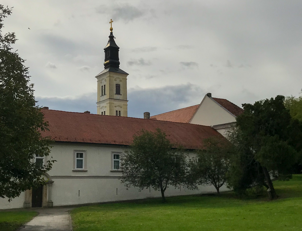 Parkanlage des Krušedol-Kloster