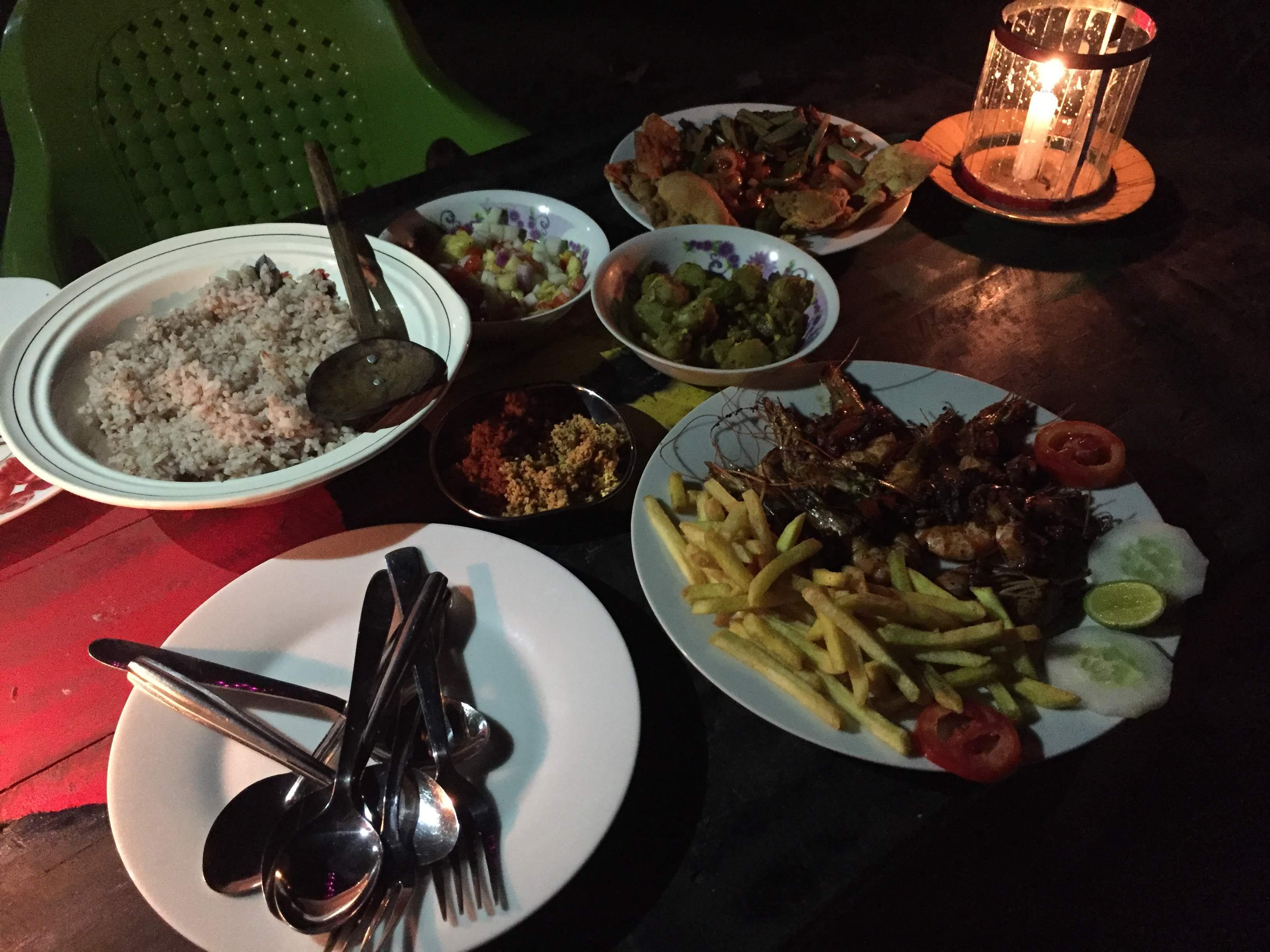 Essen bei Freunden in Tangalle Sri Lanka
