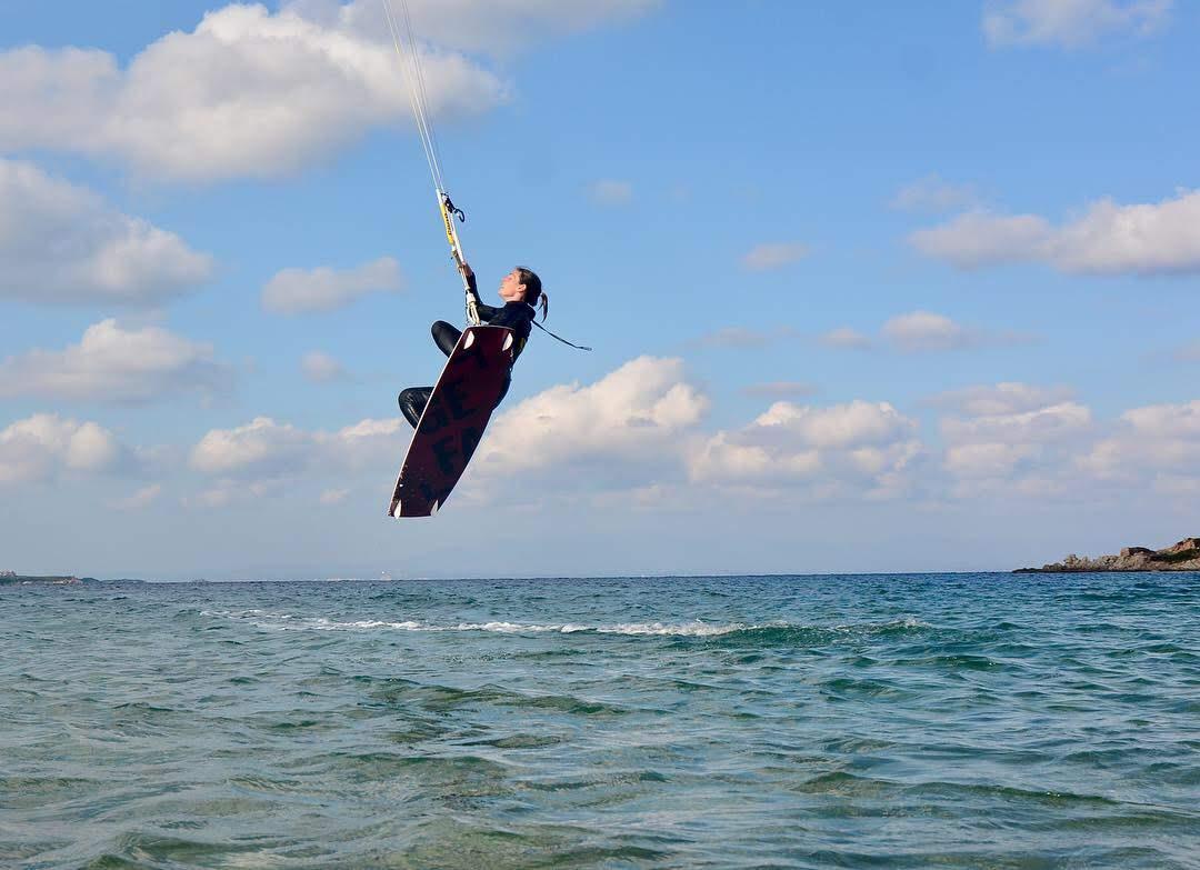 Kitesurfen bei Sonnenschein auf Rügen